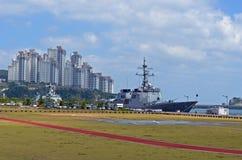 Schiffe in Busan, Südkorea Stockbilder