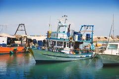 Schiffe im Hafen Lizenzfreie Stockfotos