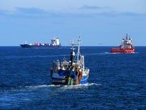 Schiffe in Meer Lizenzfreies Stockbild