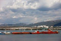 Schiffe nahe dem Pier Stockfotografie