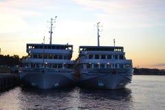Schiffe am St. Petersburg, Russland Stockfotografie