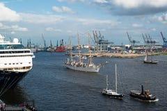 Schiffs-Parade Lizenzfreies Stockfoto