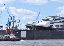 Schiffsbau eines Kreuzfahrtschiffs Lizenzfreies Stockbild
