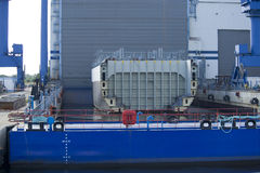 Schiffsbautechnik in der Werft Lizenzfreies Stockfoto