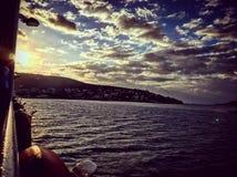 Schiffsleben-Istanbul-Sonnenuntergang lizenzfreies stockbild