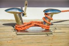 Schiffspoller auf Yacht Lizenzfreie Stockbilder