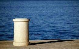 Schiffspoller im frühen Morgen Lizenzfreie Stockfotografie