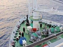 Schiffssegeln im Meer Lizenzfreies Stockfoto