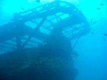 Schiffswrack an der Unterseite des Ozeans stockfotos