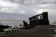 Schiffswrack im Sand Stockbilder