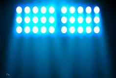 Schijnwerper op een zwarte achtergrond Het blauwe licht glanst van de bollen De vectorillustratie royalty-vrije illustratie