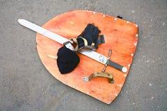 Schild en zwaard stock fotografie