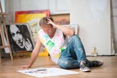Schilder en zijn art. Royalty-vrije Stock Afbeeldingen