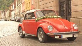 Schilderachtig landschap met retro auto. Stock Foto's