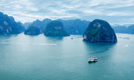 Schilderachtig overzees landschap. Ha snakken Baai, Vietnam Royalty-vrije Stock Foto's