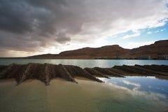 Schilderachtig sedimentmengsel van overzeese zout en modder stock afbeeldingen