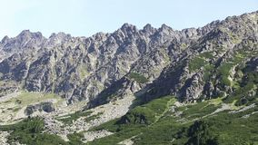 Schilderachtige de zomermening van Hoge Tatras-bergen, Slowakije stock footage