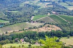Schilderachtige luchtmening bij het landschap van Toscanië in de zomer royalty-vrije stock foto's