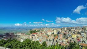 Schilderachtige luchtmening van de oude stad van Enna, Sicilië, Italië stock video