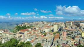 Schilderachtige luchtmening van de oude stad van Enna, Sicilië, Italië stock footage