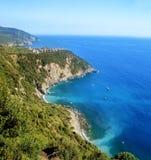 Schilderachtige mening van Corniglia-vilage in de zomer Cinque Terre Five Lands National Park Italië Royalty-vrije Stock Foto's