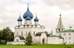 Schilderachtige mening van Suzdal het Kremlin, Rusland Gouden Ring van Rusland stock afbeeldingen