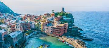 Schilderachtige stad van Vernazza, Ligurië, Italië royalty-vrije stock afbeeldingen
