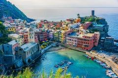 Schilderachtige stad van Vernazza, Ligurië, Italië royalty-vrije stock afbeelding