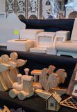Schilderend en kleurend houten stuk speelgoed royalty-vrije stock foto's