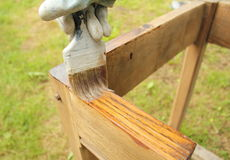 Schilderend houten meubilair Royalty-vrije Stock Foto's