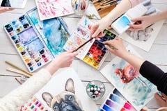 Schilderende de waterverftekening van het hobby listige talent royalty-vrije stock foto's