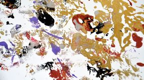 Schilderende gouden groene rode witte purpere vlekken abstracte achtergrond royalty-vrije stock afbeelding