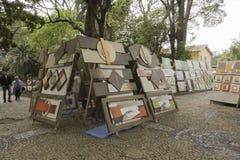 Schilderijen voor verkoop in Embu das Artes royalty-vrije stock afbeeldingen