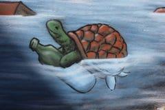 Schildkröte mit der Flasche drawed Lizenzfreie Stockfotografie