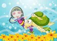 Schildkröte und Mädchen im Wasser Stockfotos