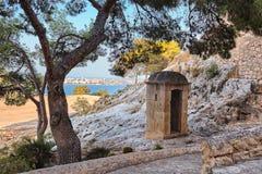 Schildwachtdoos in het kasteel van santabarbara, Alicante, Spanje Royalty-vrije Stock Fotografie