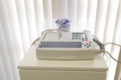 Schiller PÅ maskinen ECG för 101SCM Electocardiograph Royaltyfria Bilder