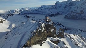 Schilthorn kabelbil i schweiziska fj stock video