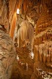 Schindler in einer felsigen Höhle - Luray höhlt aus Lizenzfreies Stockfoto