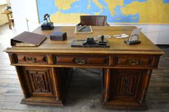 Schindlers skrivbord på den Schindler fabriken Krakow Polen Arkivfoto