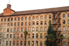 Schio, VI, Ιταλία - 6 Μαρτίου 2016: Αρχαίο εργοστάσιο του σταθερού ασβεστίου στοκ φωτογραφίες με δικαίωμα ελεύθερης χρήσης