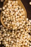 Schioccare della quinoa immagine stock