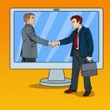 Schiocco Art Businessmen Shake Hands Through lo schermo di computer Contratto di affari Immagini Stock