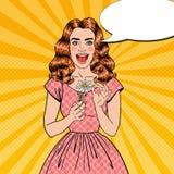 Schiocco Art Excited Beautiful Woman con Daisy Flower Illustrazione di Stock