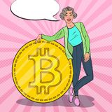 Schiocco Art Successful Woman con grande Bitcoin Concetto di Cryptocurrency Immagini Stock Libere da Diritti