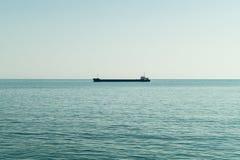 Schip bij het overzees stock fotografie