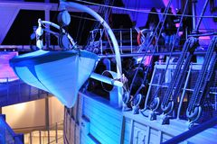 Schip in blauw Stock Foto's