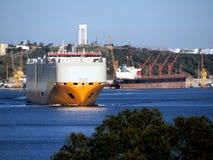 Schip die in Havenscène vertrekken stock foto