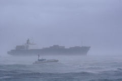 Schip in een Onweer