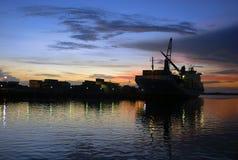 Schip in haven. Caraïbische overzees, Panama Royalty-vrije Stock Afbeeldingen